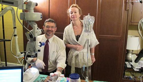 проф. С.Ю. Анисимова с проф. Эхудом Ассия из Израиля на конгрессе Американской академии офтальмологии, Сан-Франциско