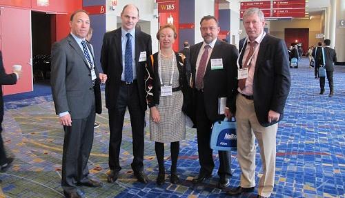 проф. С.И. Анисимов и С.Ю. Анисимова с коллегами на международном конгрессе Американского общества катарактальных и рефракционных хирургов в Чикаго в США