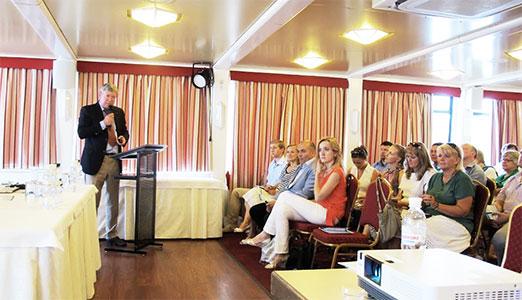 Выступление профессора С.И. Анисимова по ФЕМТО-сопровождению факоэмульсификации на конгрессе в Киеве.